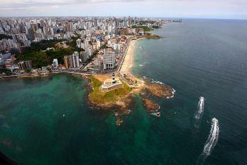 Vista aérea Faro y playa de Barra