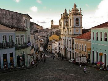 Largo de Pelourinho e iglesia  - Salvador de Bahía